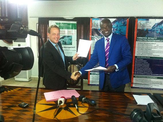 Le groupe EEIE à Abidjan avec l'INSTEC