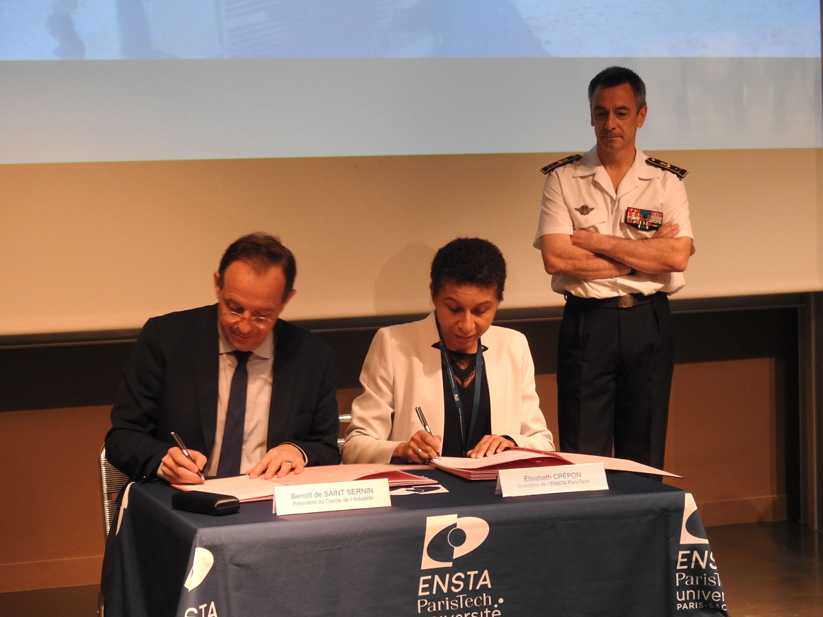 Signature-convention-partenariat-ENSTA-EEIE